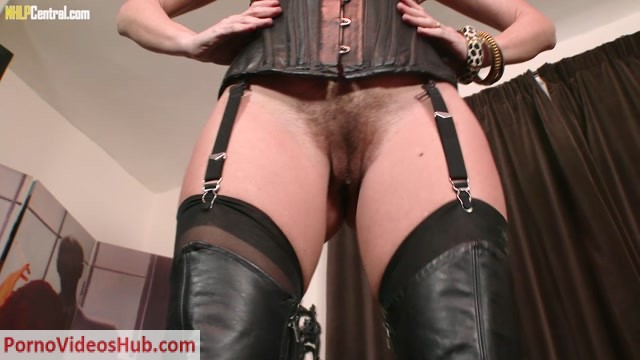 VintageFlash_presents_French_Chloe_in_Leather_and_nylon_time__-_19.04.2018.mp4.00006.jpg