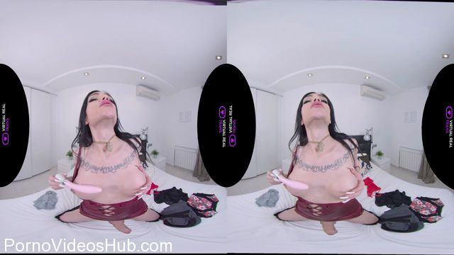 Virtualrealtrans_presents_Cece_Addams_in_Dildo_Party_For_One_-_14.04.2018.mp4.00009.jpg