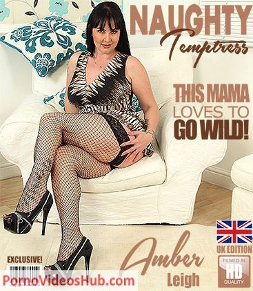 1_Mature.nl_presents_Amber_Leigh__EU___36__in_British_temptress_Amber_Leigh_playing_with_her_toys_-_14.05.2018.JPG