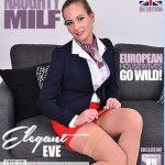 Mature.nl presents Elegant Eve (EU) (42) in British MILF Elegant Eve masturbating on the couch – 14.05.2018
