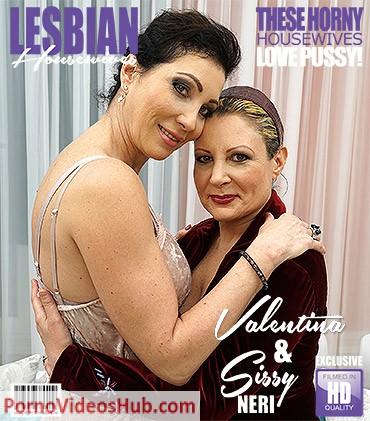 1_Mature.nl_presents_Sissy_Neri__50___Valentina__51__in_Italian_lesbian_housewives_fooling_around_-_09.05.2018.jpg