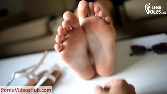 Watch Free Porno Online – CzechSoles presents Why are you always looking at my feet (MP4, HD, 1280×720)