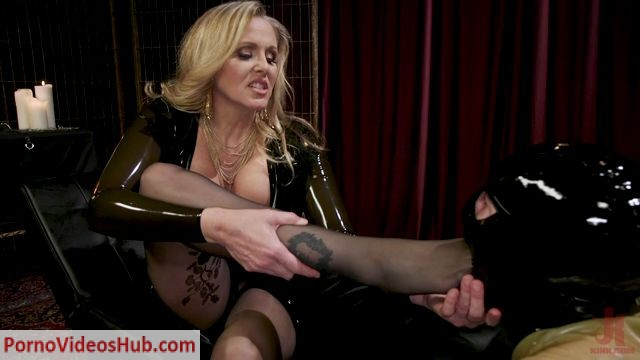 Watch Online Porn – DivineBitches presents Latex Goddess Julia Ann Dominates Dripping Cock Whore – 22.05.2018 (MP4, HD, 1280×720)
