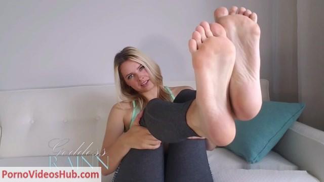Watch Online Porn – Goddess Rainn in Feet Conditioning for Gym Perv (MP4, FullHD, 1920×1080)