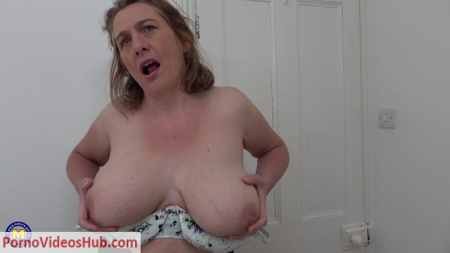 Mature.nl_presents_Camilla_C.__EU___45__in_British_big_breasted_housewife_Camilla_fooling_around.mp4.00003.jpg