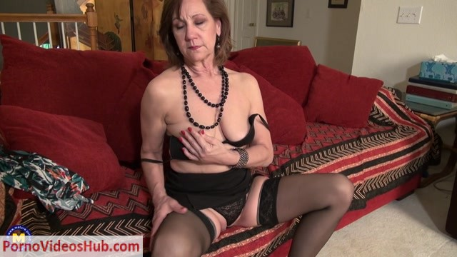 Mature.nl_presents_Demi__58__in_American_temptress_Demi_playing_with_her_toys_-_11.05.2018.mp4.00003.jpg