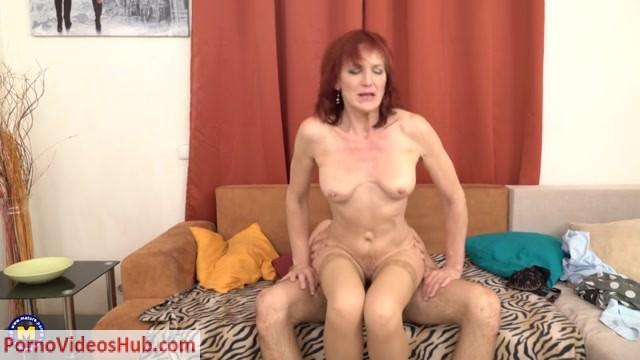 Mature.nl_presents_Irena__55__in_horny_older_lady_Irena_doing_her_toyboy_-_16.05.2018.mp4.00011.jpg