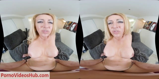 MilfVR_presents_Janna_Hicks_in_Happy_MILFs_Day_-_17.05.2018.mp4.00012.jpg