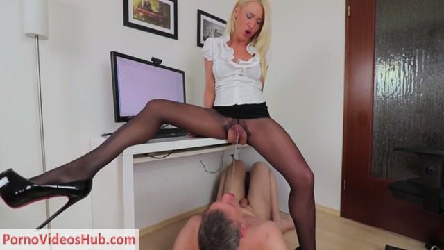 Watch Online Porn – MyDirtyHobby presents Daynia – Die extrem geile Mega Maul Piss Flutung (MP4, FullHD, 1920×1080)