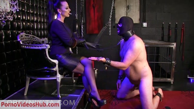 Watch Free Porno Online – Obey Nikita in Mistress Nikita – Stocking Ciggie Piggy (MP4, FullHD, 1920×1080)