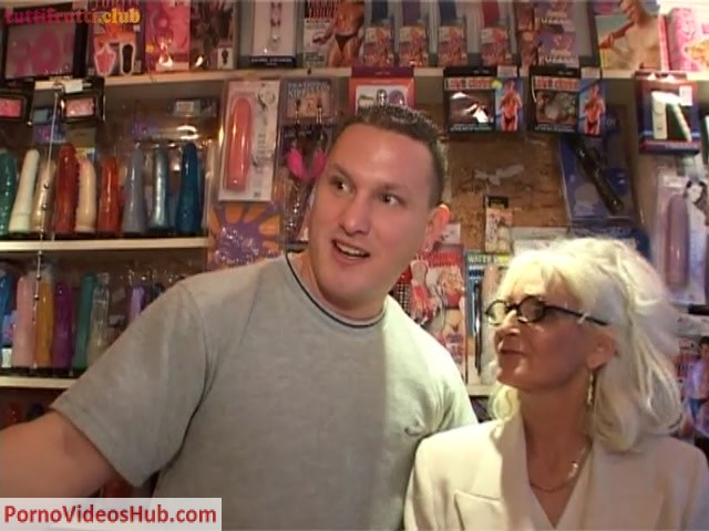 TuttiFrutti_presents_Blonde_euro_Granny_castinged_by_BBC_Tony_-_27.04.2018.mp4.00000.jpg