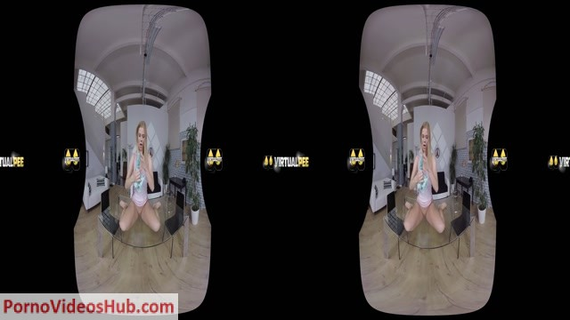 VirtualPee_presents_Chrissy_Fox_in_Drenched_Hotpants.mp4.00009.jpg