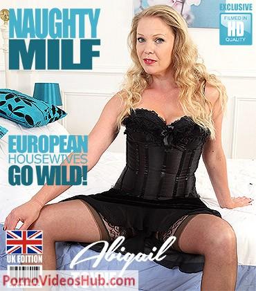 1_Mature.nl_presents_Abigail_Toyne__EU___42__in_British_MILF_Abigail_Toyne_playing_with_herself_-_29.06.2018.jpg