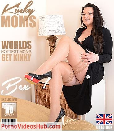 1_Mature.nl_presents_Bex__EU___39__in_British_mom_Bex_fingering_herself_-_25.06.2018.JPG