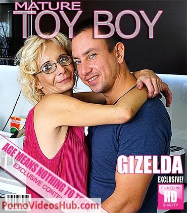 1_Mature.nl_presents_Gizelda_B.__42__in_Horny_older_lady_doing_her_toyboy_-_28.06.2018.jpg