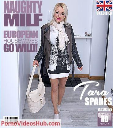 1_Mature.nl_presents_Tara_Spades__40__in_British_MILF_Tara_Spades_playing_with_herself_-_07.06.2018.JPG