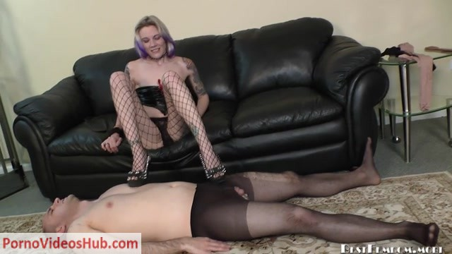 Bestfemdom_presents_Mistress_Candi_in_Big_Girl_Shoes.mp4.00001.jpg
