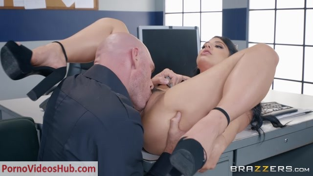 Brazzers_-_TeensLikeItBig_presents_Gina_Valentina_in_Traffic_Violation_-_22.06.2018.mp4.00003.jpg