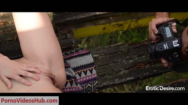 EroticDesire_presents_Lusil_in_Danger_Stroll.mp4.00011.jpg