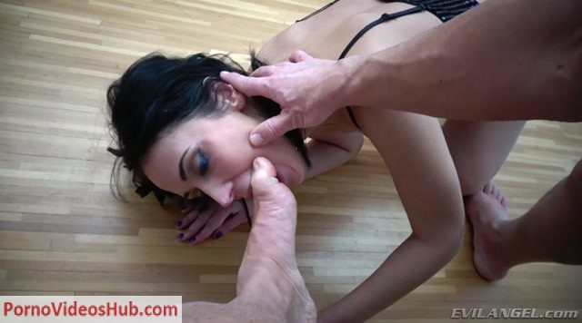 EvilAngel_presents_Angie_Moon_in_Angie__Queefing_Pussy__Gaping_Buttfuck.mp4.00005.jpg