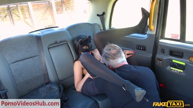 Watch Online Porn – FakeTaxi presents Masked Maya returns for taxi cock – 13.06.2018 (MP4, FullHD, 1920×1080)