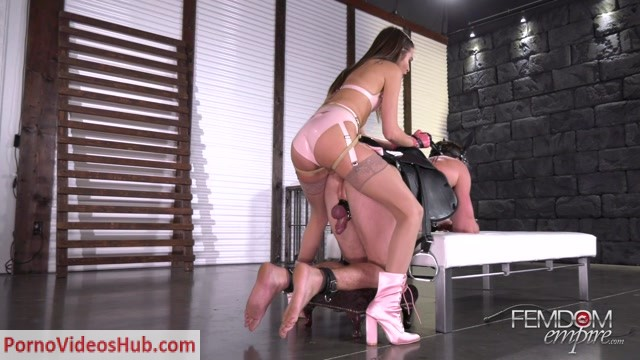 FemdomEmpire_presents_Riley_Reid_-_The_Pony_Ride_-_11.06.2018.mp4.00010.jpg