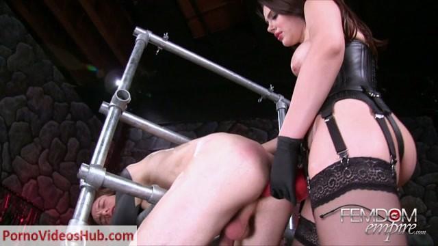 Watch Online Porn – Femdomempire presents Valentina Nappi in She Hates Him (MP4, HD, 1280×720)