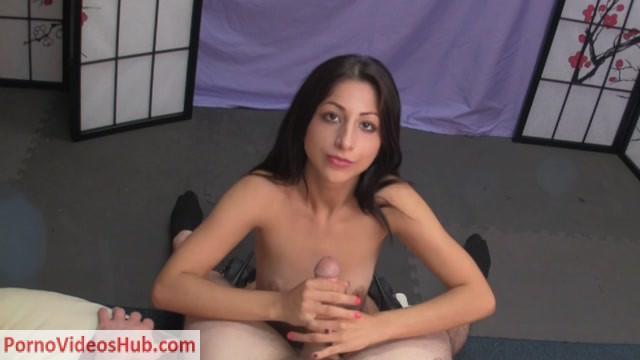 Goddess_Alexa_Divina_in_Erotic_Lapdance_and_handjob_from_Serina.mp4.00013.jpg
