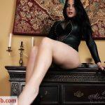 Goddess Alexandra Snow in Leggy Mistress