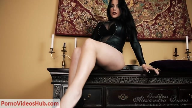 Watch Online Porn – Goddess Alexandra Snow in Leggy Mistress (MP4, HD, 1280×720)