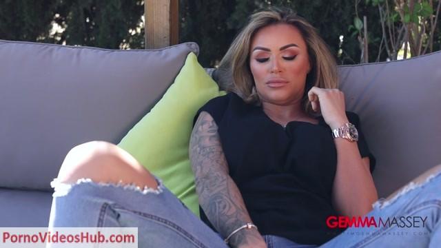 ImGemmaMassey_presents_Gemma_Massey_in_Teasing_in_Black_Short___Denim_Jeans.mp4.00004.jpg