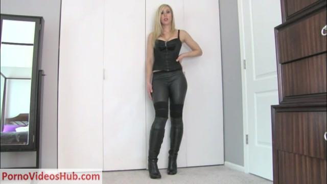 Watch Online Porn – Lyne Financial Dominatrix in I am God (M4V, SD, 960×540)