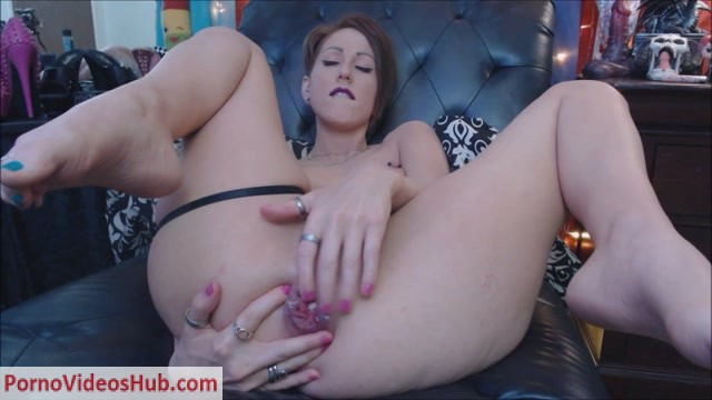 ManyVids_presents_MoxiMinx_in_Triple_Anal_Penetration.mp4.00012.jpg