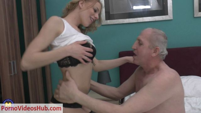 Mature.nl_presents_Chanee_22_-_Horny_old_bastard_doing_a_hot_babe.mp4.00002.jpg