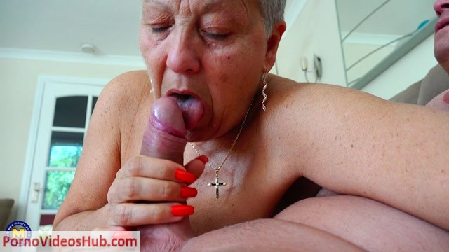 Mature.nl_presents_Savana__EU___60__in_British_older_lady_Savana_fucking_and_sucking_-_14.06.2018.mp4.00009.jpg