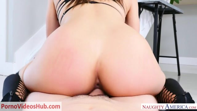 Watch Online Porn – NaughtyAmerica – Housewife1On1 presents Abella Danger 24225 – 15.06.2018 (MP4, SD, 640×360)