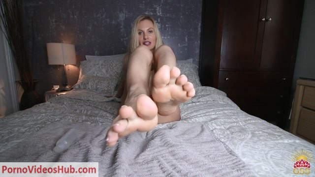 Stella_Sol_in_Shiny_Feet.mp4.00001.jpg