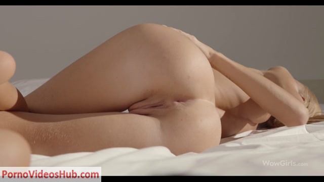 Watch Online Porn – WowGirls presents Nancy A – Intimate Tease (MP4, FullHD, 1920×1080)