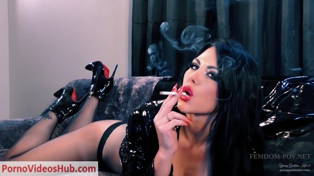 Young_Goddess_Kim_in_Sinister_Seduction.mp4.00008.jpg