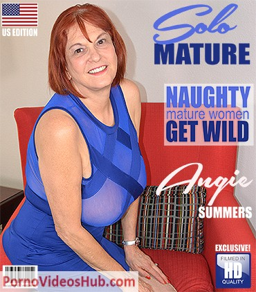 1_Mature.nl_presents_Angie_Summers__59__in_American_cougar_fingering_herself_-_19.07.2018.jpg
