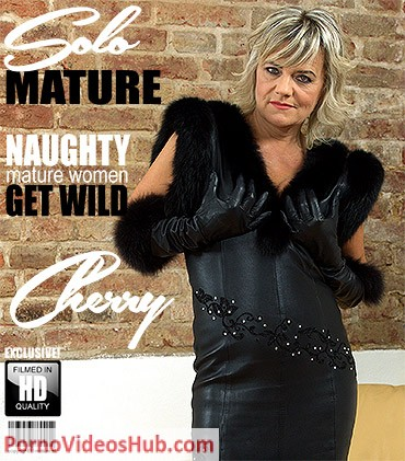 1_Mature.nl_presents_Cherry__52__in_naughty_housewife_Cherry_playing_with_herself_-_25.07.2018.jpg
