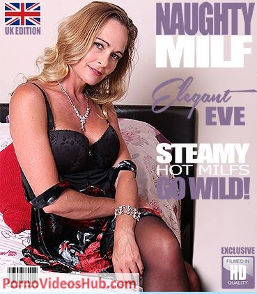 1_Mature.nl_presents_Elegant_Eve__EU___42__in_British_MILF_Elegant_Eve_fingering_herself_-_13.07.2018.JPG