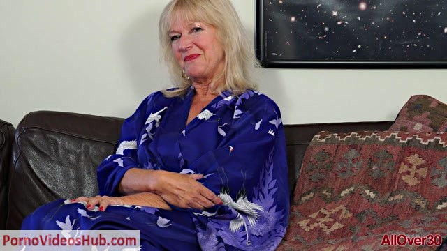 Allover30_presents_Sapphire_Louise_62_years_old_Interview_-_03.07.2018.mp4.00001.jpg