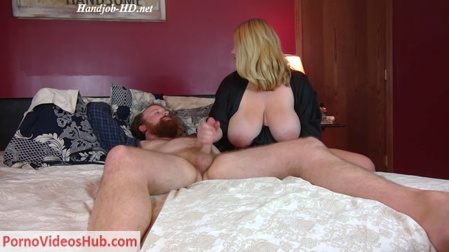 Watch Online Porn – Annabelle Rogers in Handjob massage and facial cum (MP4, FullHD, 1920×1080)
