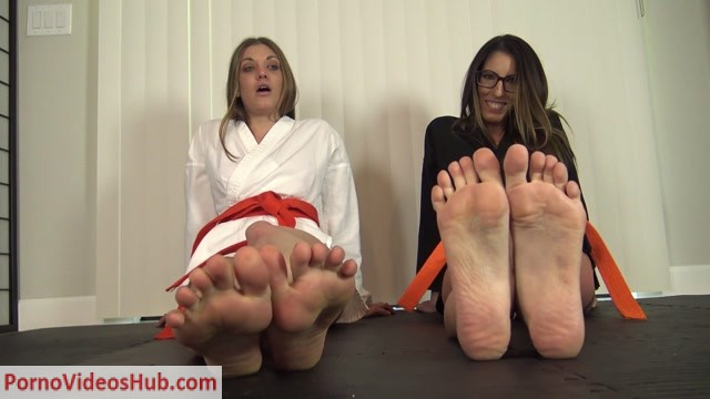 Watch Online Porn – DAVA FOXX, SCARLET HART KARATE FEET JOI (MP4, FullHD, 1920×1080)