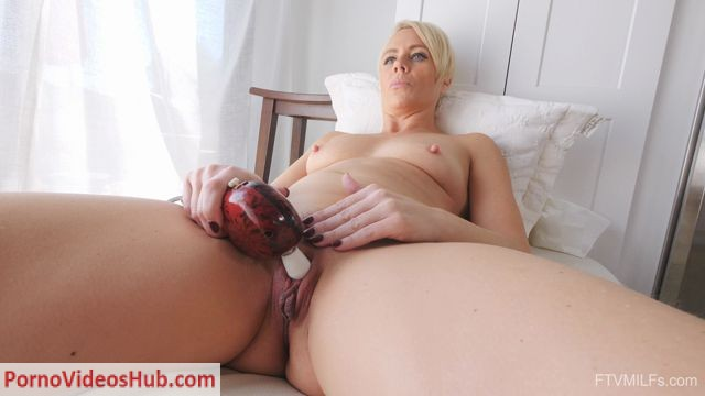 Watch Online Porn – FTVMilfs presents Helena in Double Toy Diva – A Business Look 5 (MP4, FullHD, 1920×1080)