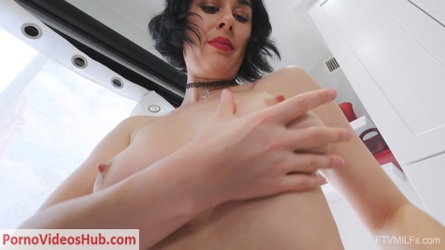 Watch Free Porno Online – FTVMilfs presents Olive in Mature Pinup Style – Glass The Ideal Figure 5 (MP4, FullHD, 1920×1080)