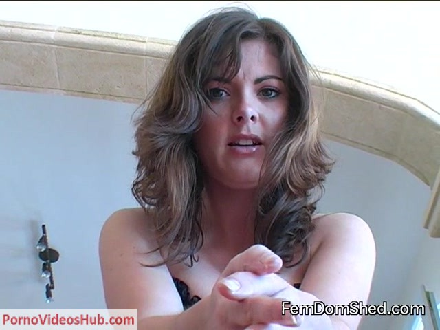 FemDomShed_presents_Princess_Sera_in_Fuck_Your_Ass_With_A_Bottle_Covered_In_Margarine_And_Jerk_Off_For_Me.mp4.00013.jpg