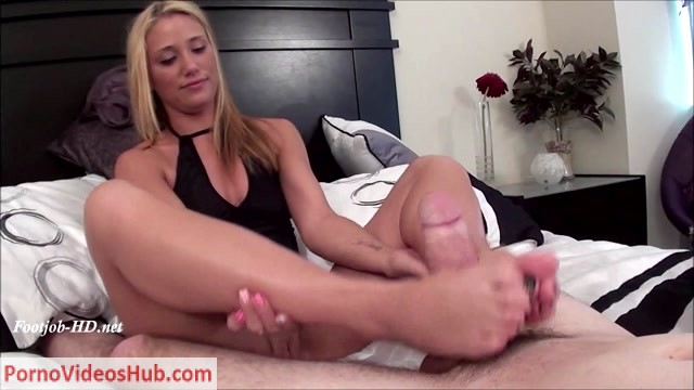 FootJob_Fantasies_Cum_True_presents_Shelby_Paige_in_FootJob_Service_Call.mp4.00007.jpg