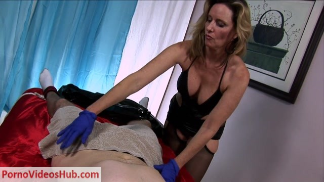 Jodi_West_in_Mistress_Jodi_Milks_A_Restrained_Young_Man_With_Latex_Gloves.mp4.00001.jpg